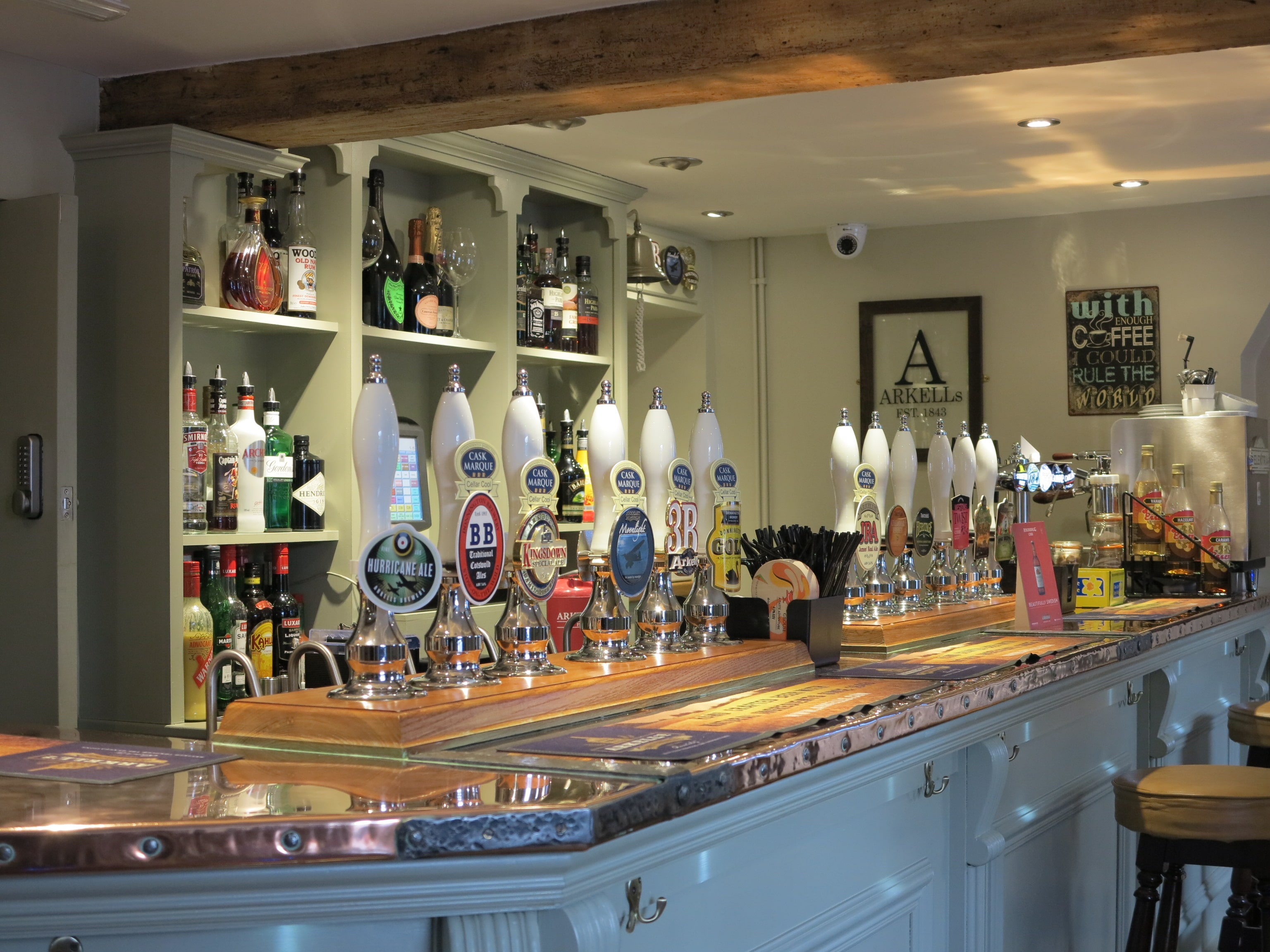 Edmont Joinery Bespoke Bar