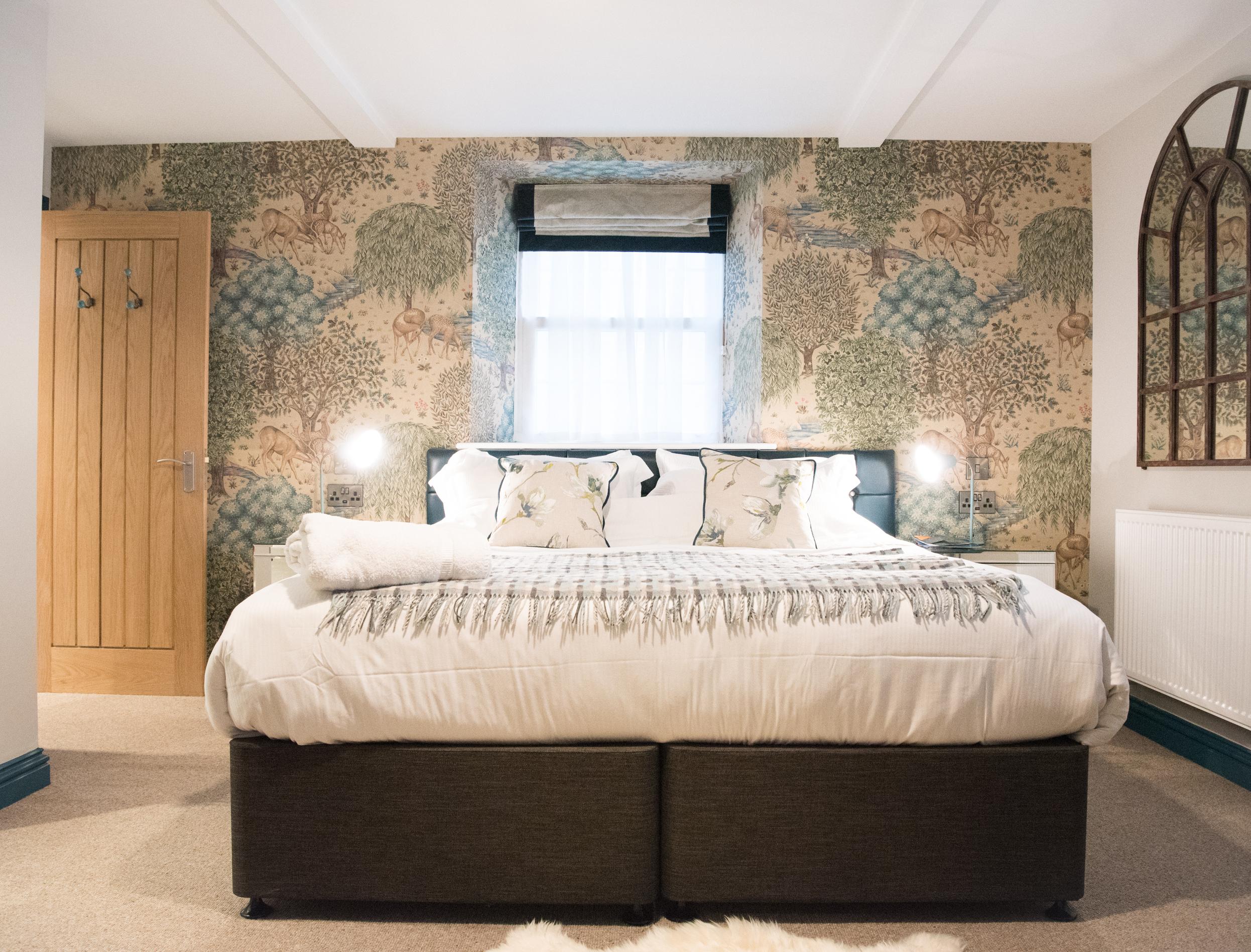 The Royal Oak Bedroom Fittings
